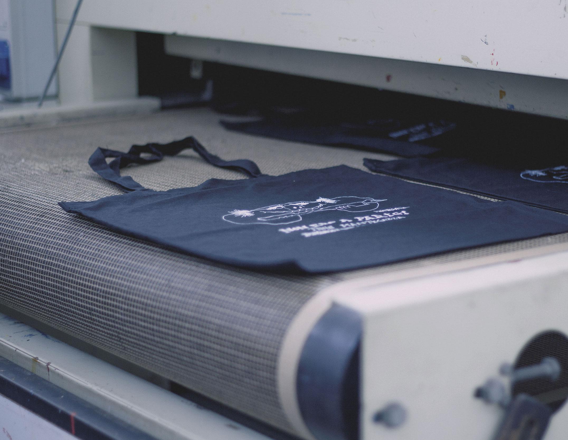 Shopper stampate in serigrafia e personalizzate per attività promozionali