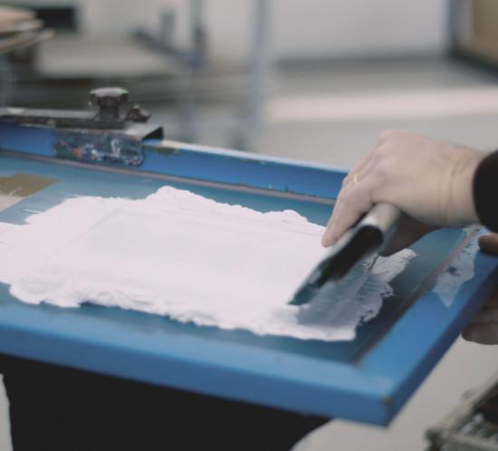 Stampa in serigrafia su tessuto